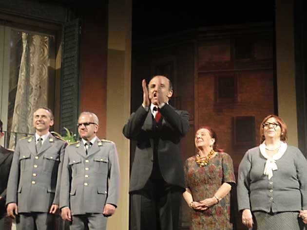 """Tutto esaurito al Teatro """"Vittorio Veneto"""" di Colleferro per """"La vita è una cosa meravigliosa"""" di Carlo Buccirosso"""