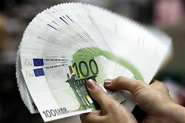 ventaglio-di-banconote-da-100-euro-630