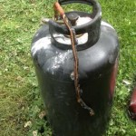 Atina. Il barbecue a gas sfiamma e lui fugge a gambe levate. Un Carabiniere libero dal servizio evita l'incendio