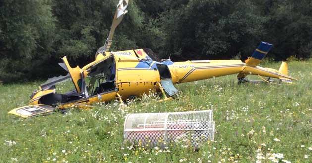 L'elicottero AS 350 del Servizio antincendio della Protezione Civile precipitato. Rieti. Lago del Salto.