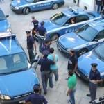 """Roma. Operazione """"R9"""" della Polizia a  Tor Bella Monaca. Armi, omicidi e droga. Eseguite 37 ordinanze di custodia cautelare. Sgominato il feroce clan Cordaro"""