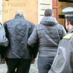 """Roma. Operazione """"Colpo Gobbo"""" della Guardia di Finanza. Sgominata gang specializzata nelle truffe alle banche: 10 arresti"""